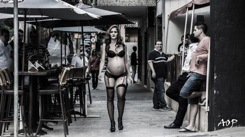 Grávida faz ensaio sensual nas ruas de Belo Horizonte